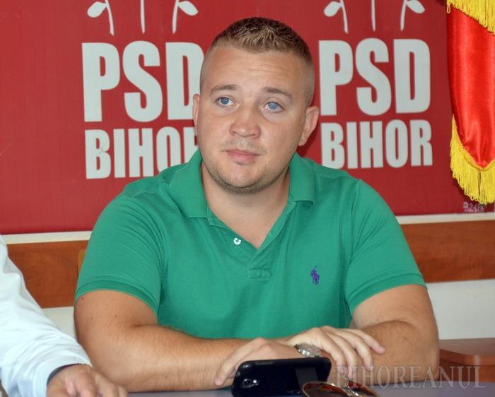 PSD-iştii vor burse pentru elevii orădeni cu note mari sau din familii sărace
