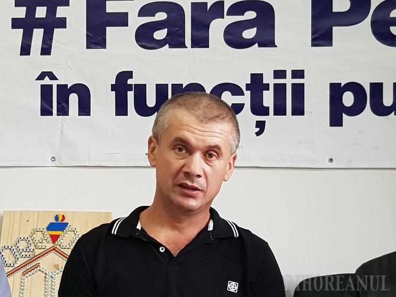 Un ambulanţier acuză: PSD-istul Liviu Sabău Popa continuă să fie director la Serviciul de Ambulanţă al Judeţului Bihor, deşi nu are dreptul