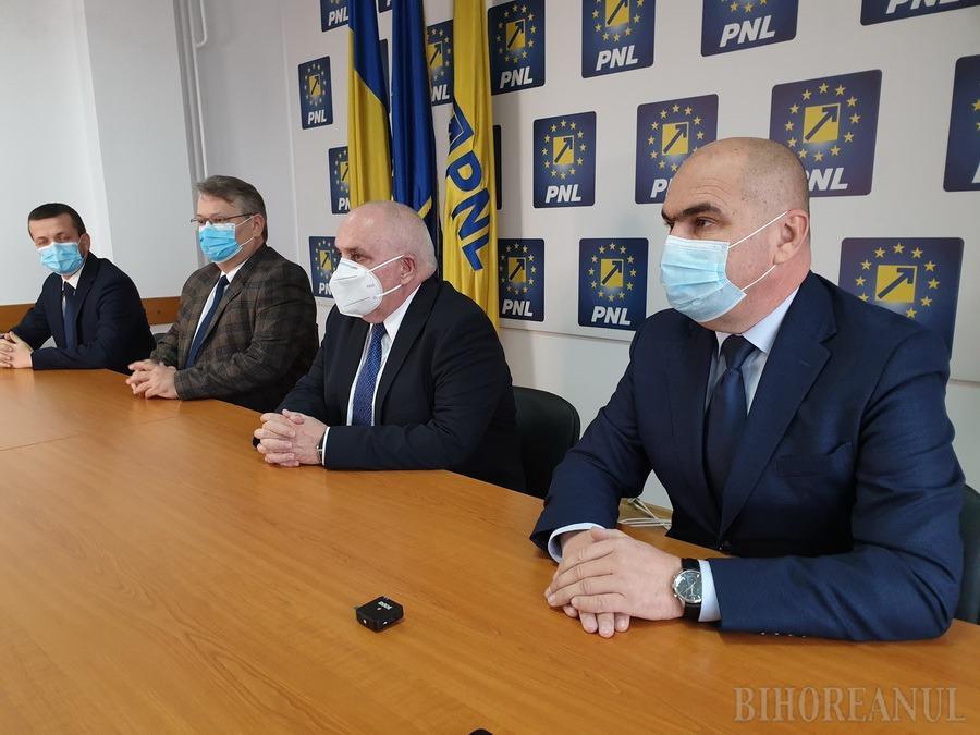"""Bolojan, mesaj pentru alegători înainte de alegerile de duminică și mulţumiri pentru dr. Carp: """"Va fi sigur senator"""""""