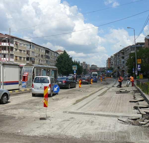 Trafic îngreunat prin Decebal, din cauza lucrărilor la reabilitarea drumului (FOTO)