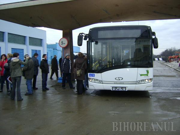 Moş Crăciun a adus OTL-ului autobuze noi