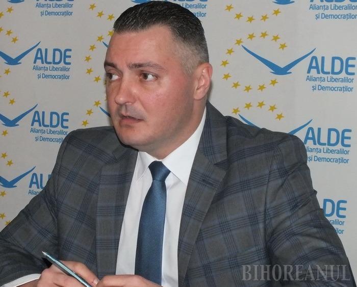 ALDE o dă cotită cu racolarea şefului PNL Bihor, Cornel Popa: L-ar vrea, dar acesta nu a făcut nicio cerere scrisă