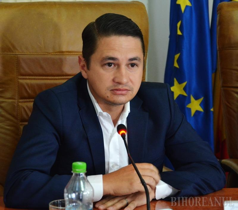 """MCV-ul l-a enervat pe Emilian Pavel: """"Nu suntem chiar toți neam de slugi"""""""