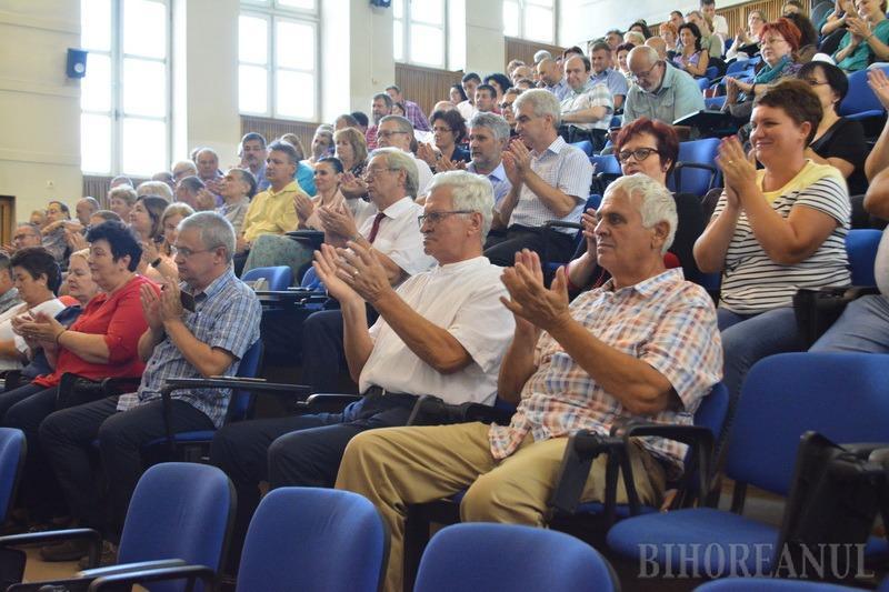 Ceremonie la Universitate: Preşedintele ARACIS a venit la Oradea, ca să predea certificatul de încredere ridicată (FOTO / VIDEO)