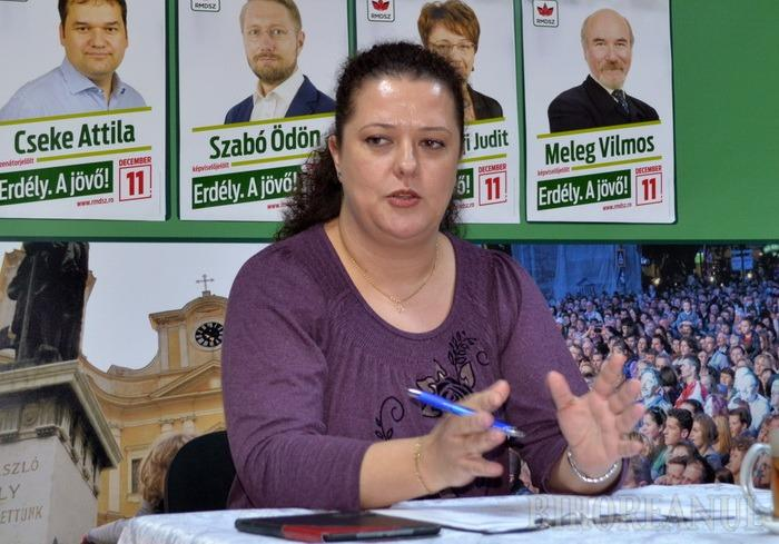 Consilierul municipal UDMR Kirei Melinda se plânge că Bolojan şi consilierii lui o ignoră