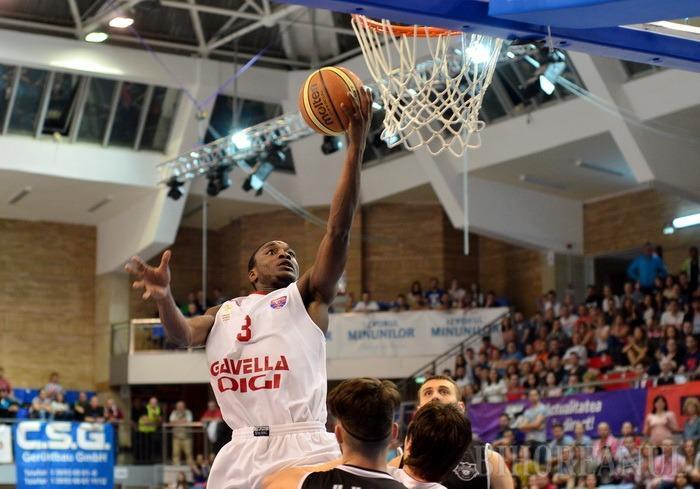 Martin Zeno va juca la CSM CSU Oradea şi în următorul sezon