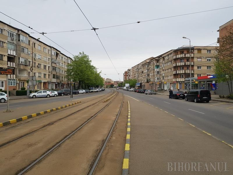 GALERIE DE IMAGINI din Oradea în ziua de Paşte: Străzi aproape pustii, tramvaie goale