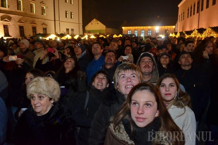 La mulţi ani! Mii de orădeni au asistat, în Cetate, la focuri de artificii şi la o cerere în căsătorie (FOTO/VIDEO)