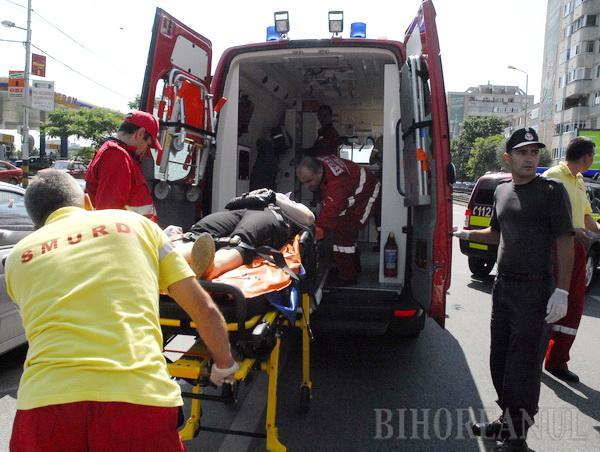 Patru persoane, lovite de un camion pe trecerea de pietoni (FOTO / VIDEO)