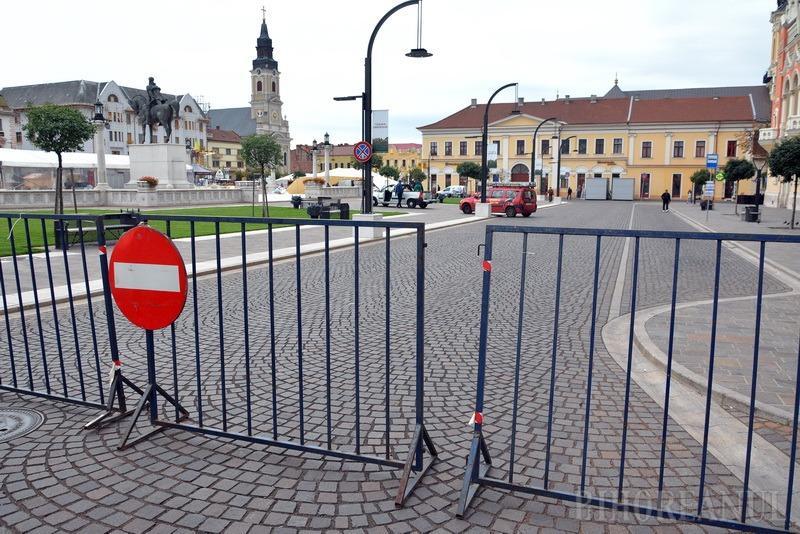 Ocoliţi! Primăria Oradea închide Piaţa Unirii pentru pregătirea Târgului de Crăciun