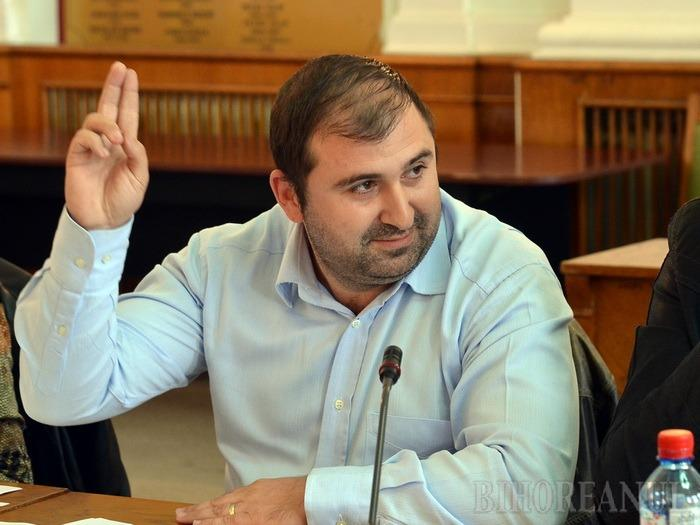 Stângă cel rus: Cea mai recentă şedinţă a Consiliului Local a fost una cu încurcături
