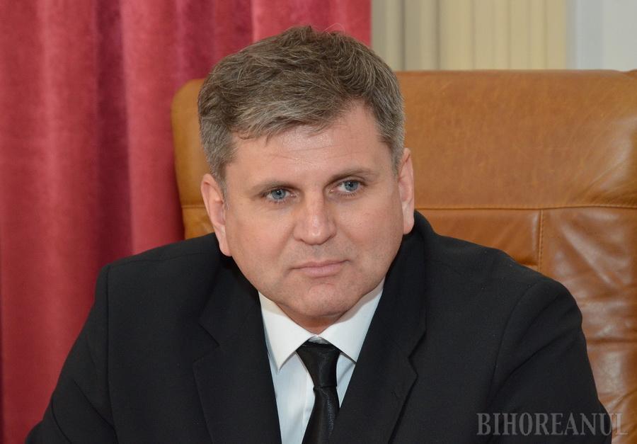 Chiulangiu în anchetă: Un profesor al Universităţii din Oradea, cercetat după ce a lipsit nemotivat două săptămâni