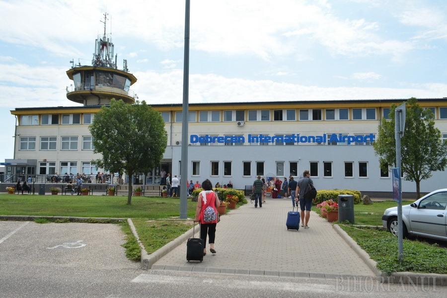 Servicii la înălţime: Preluat de Primărie, aeroportul înfloreşte, oferind bihorenilor servicii de top... La Debreţin! (FOTO)