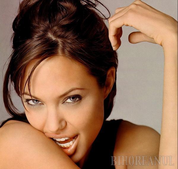 Angelina Jolie către Brad: Eu decid când ne despărţim