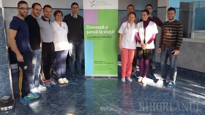 Arbitrii bihoreni de fotbal, împreună la o acţiune de donare de sânge (FOTO)