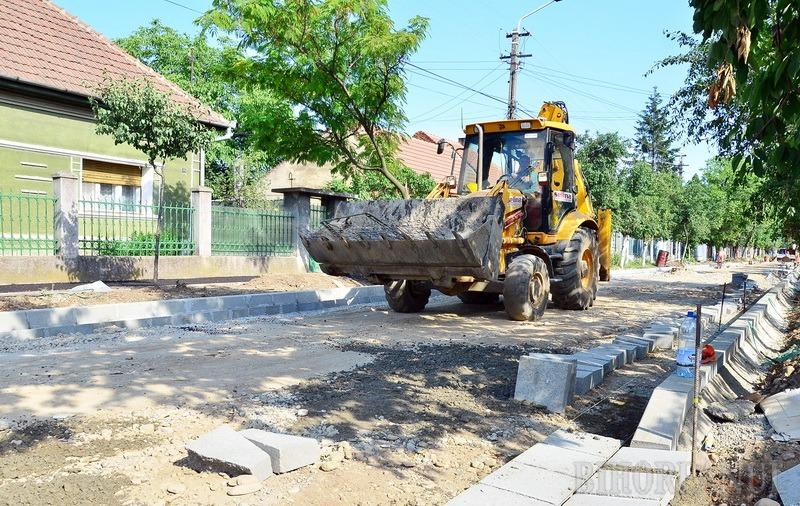 Străzile din cartierul Episcopia Bihor vor fi asfaltate anul viitor