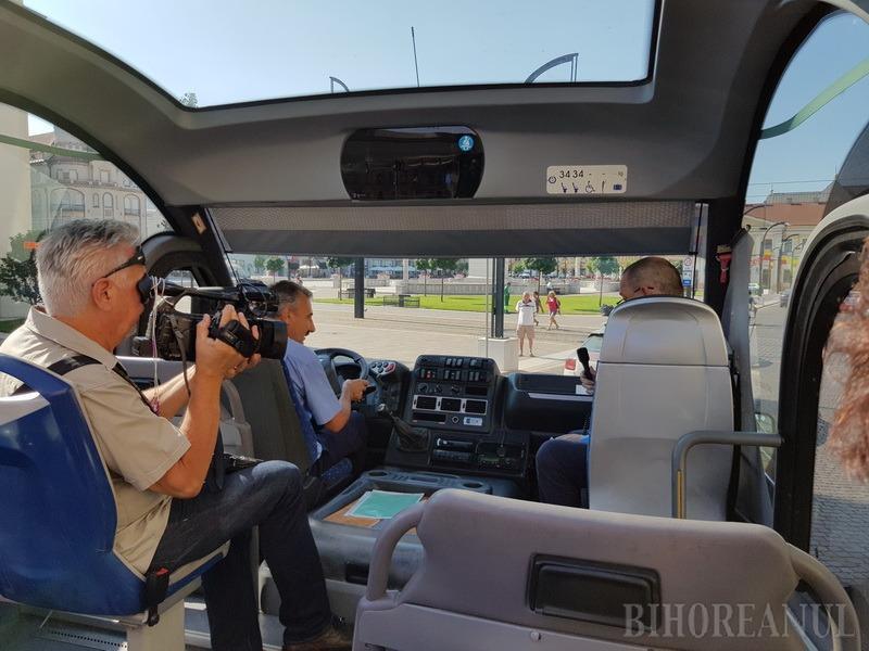 OTL s-a dotat cu un autobuz decapotabil pentru turişti (FOTO / VIDEO)