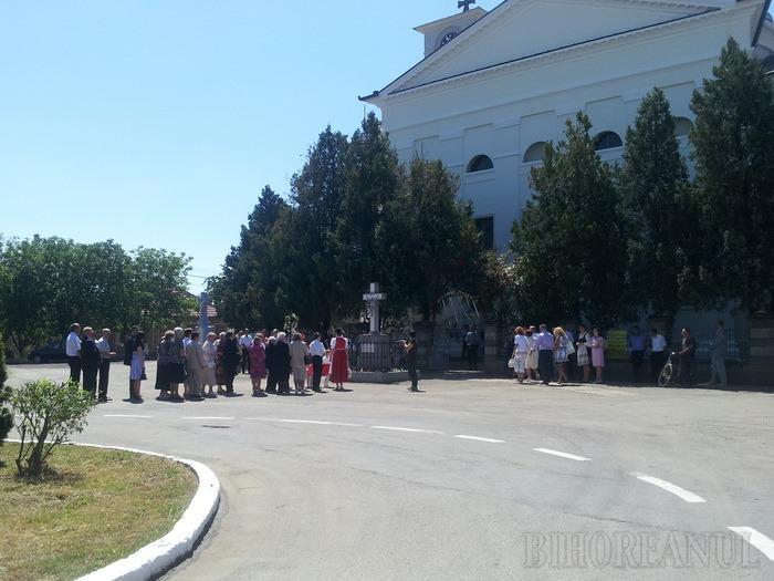 """Locuitorii din Palota au sărbătorit tradiţionalul """"Kirchweih"""", cu paradă şi dansuri populare (FOTO / VIDEO)"""