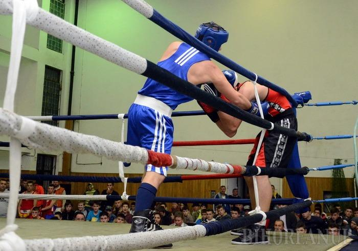 Diamante şi Box: Iubitorii sportului sunt invitați la box în scop caritabil, sâmbătă, la Salonta