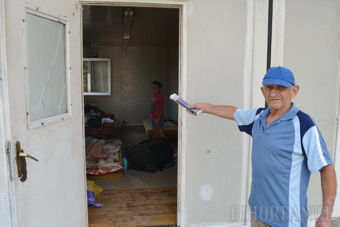 Drumul spre o casă: Drama familiei care locuia sub Podul Prezan sensibilizează autoritățile şi câţiva binevoitori (FOTO)