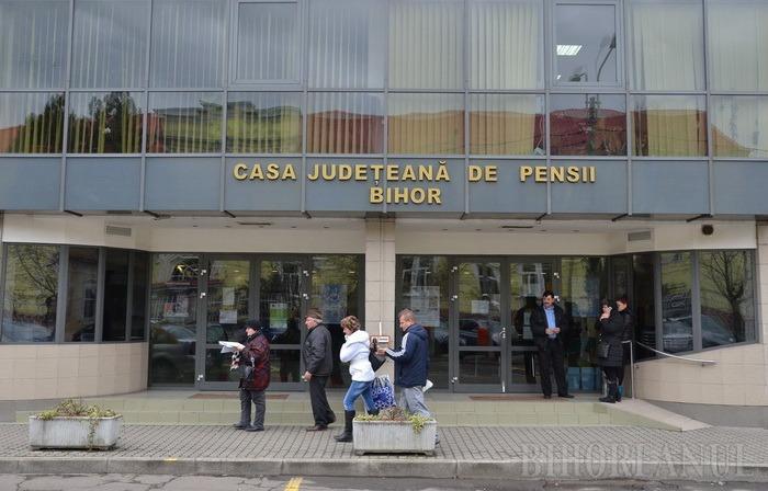 Pensionarii care au dreptul la bilete de tratament, invitaţi să depună cereri la Casa Judeţeană de Pensii