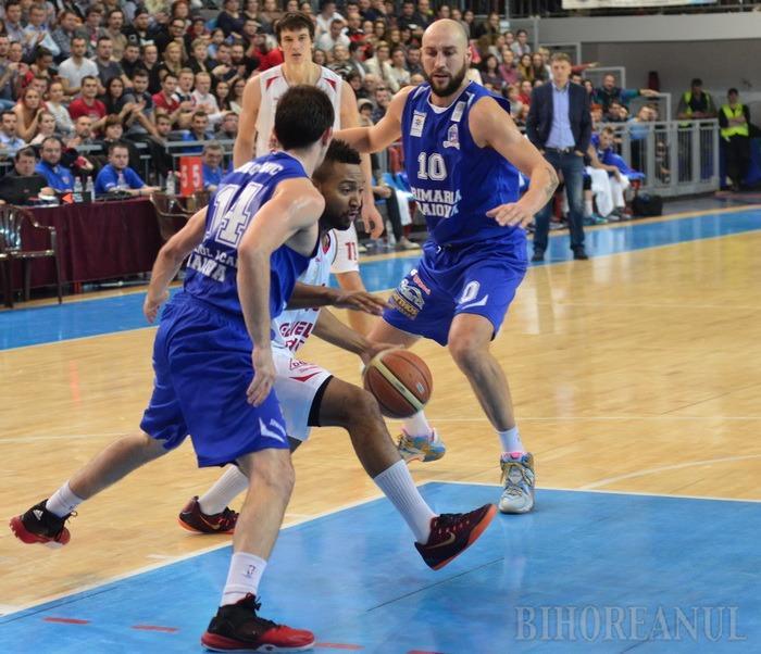 Baschetbalistul Cătălin Burlacu îşi cere scuze pentru meciul de la Oradea: Cine a greşit a şi plătit