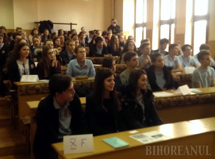 Elevii de la Gojdu au sărbătorit Ziua Naţională cu un concurs de istorie şi o conferinţă despre Marea Unire (FOTO)