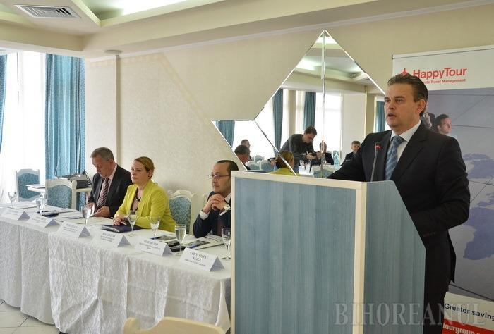 """Dialogul surzilor: Reprezentanţii Ministerului Transporturilor s-au ferit să dea ochi cu bihorenii la conferinţa """"Drumurile României, încotro?"""""""
