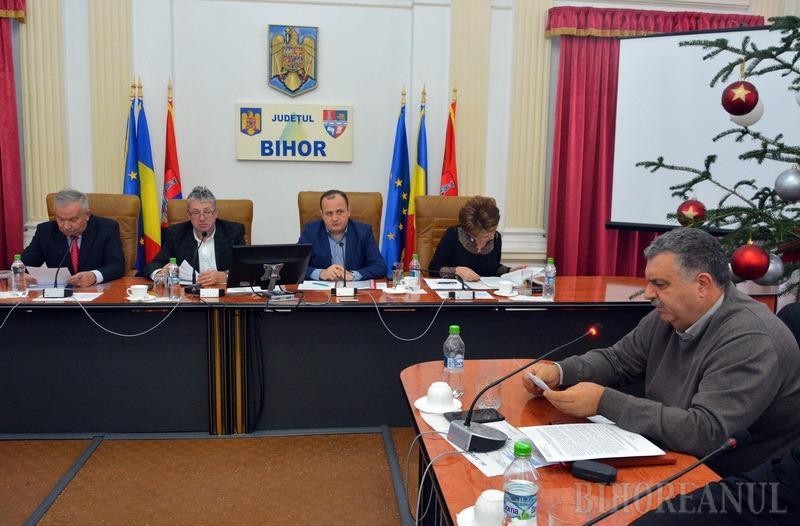 Consiliul Judeţean a împărţit 7,4 milioane lei primarilor din Bihor. Avrigeanu acuză că edilii PNL au fost săriţi