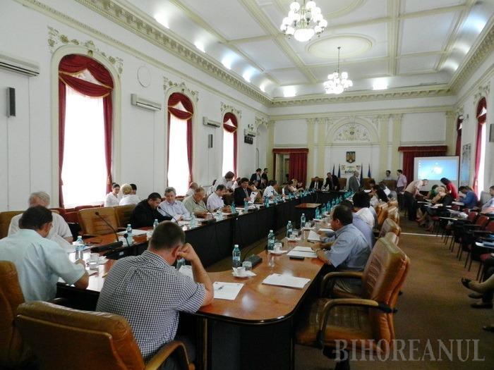 Se vede că la CJ toţi sunt la putere: unanimitate la votarea Strategiei de dezvoltare a Bihorului pe următorii 6 ani
