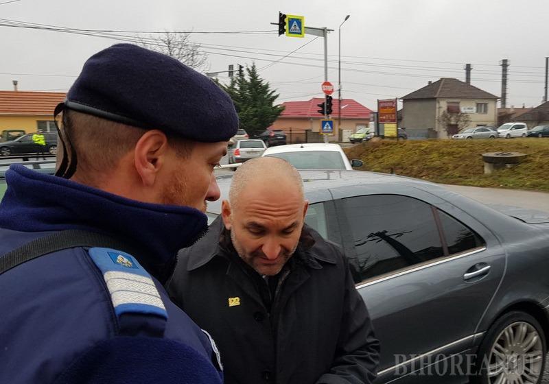 Jandarmeria Bihor: Bonica a fost amendat pentru conflictul cu reporterul BIHOREANULUI, dar nu şi pentru că l-a lovit pe protestatar