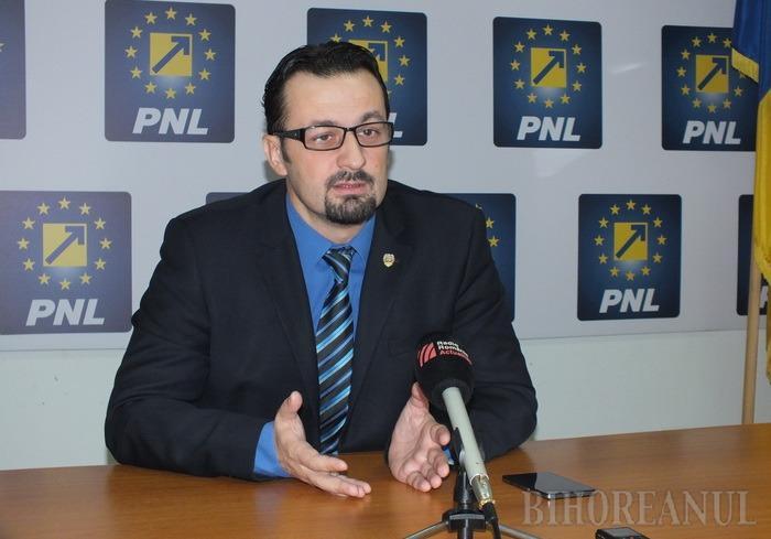 Senatorul Cristian Bodea îl ia la întrebări pe vicepremierul Dâncu pe tema Programului Naţional de Dezvoltare Locală