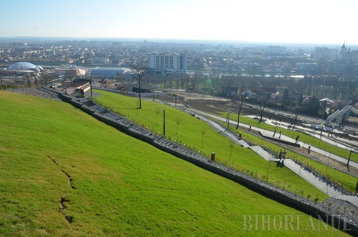 Panoramă... şi atât: Primăria nu are un plan de exploatare a Dealului Ciuperca, proaspăt reabilitat cu 1,9 milioane euro (FOTO)