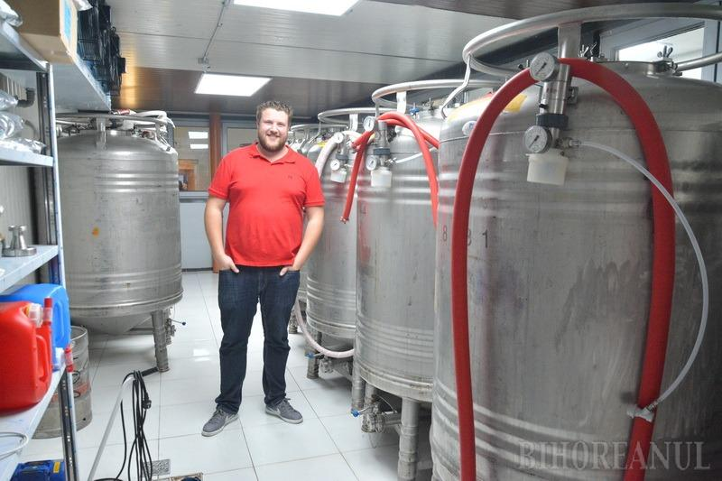 S-a deschis Tom Beer, prima manufactură de bere artizanală în Oradea. Are cramă, terasă şi berar german (FOTO)
