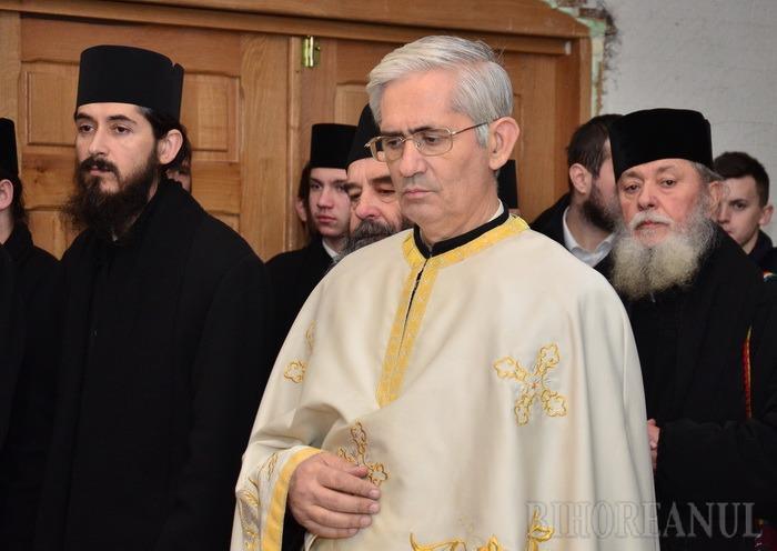 Biserică în familie: Deşi pensionat, fostul protopop ordotox de Oradea va cumula pensia cu… salariul