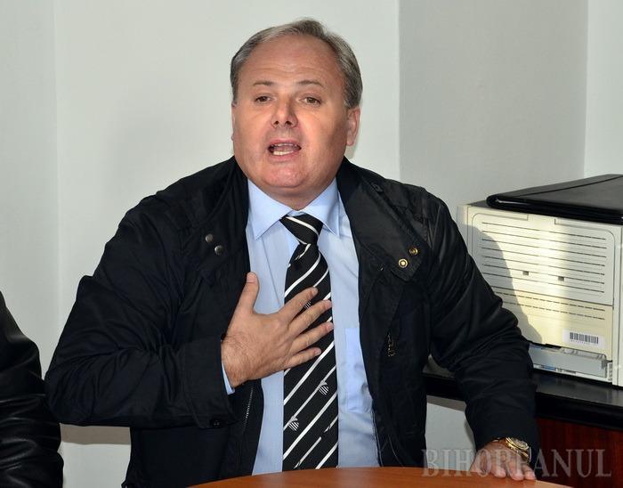 PCP, cinste e! Primarul din Popeşti şi-a tras partid în fruntea căruia să candideze