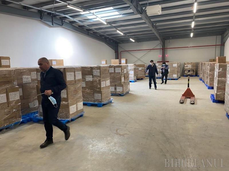 Veste bună: Oradea şi-a mai procurat încă 7 TIR-uri cu echipamente de protecţie anti-Covid, pentru personalul din spitale (FOTO / VIDEO)