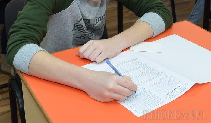Peste 5.500 de elevi bihoreni încep examenele Evaluării Naţionale