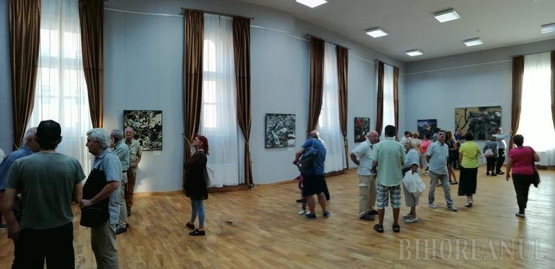 Şi vremea vremuieşte...: Expoziţia artistului plastic Jovián György a fost vernisată la Muzeul Ţării Crişurilor (FOTO)