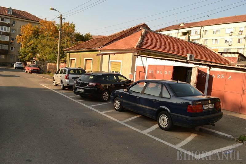 Nu plecăm! Proprietarii caselor rămase între blocurile din strada Slatinei se opun exproprierii (FOTO)