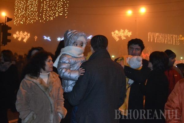 La Mulţi Ani 2013! La Oradea artificiile nu s-au prea văzut din cauza ceţii (FOTO)