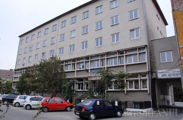 Studenţii orădeni de la Arhitectură nu mai sunt primiţi la licenţă în Cluj Napoca