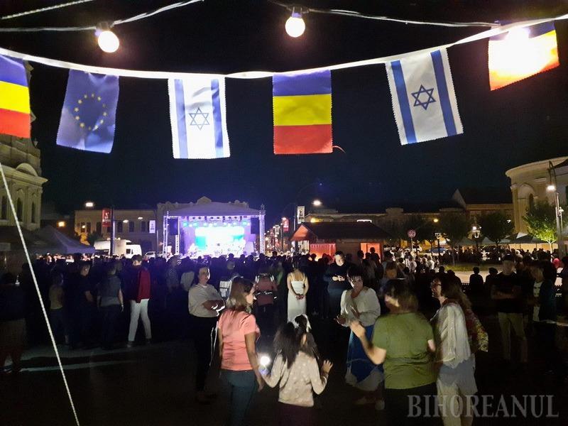 """Festivalul """"Shalom Ierusalim"""", un succes: Orădenii au stat la cozi pentru a gusta bunătăți evreiești (FOTO / VIDEO)"""