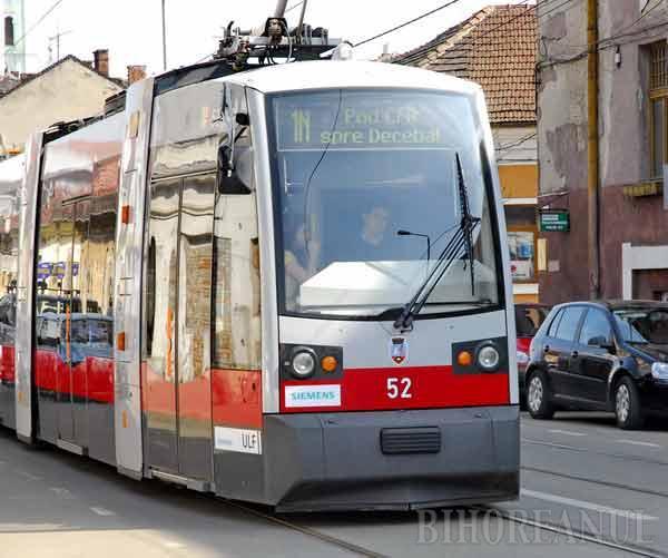 De Paşti, tramvaiele şi autobuzele circulă mai rar, iar muncitorii de la RER nu ridică reciclabilele