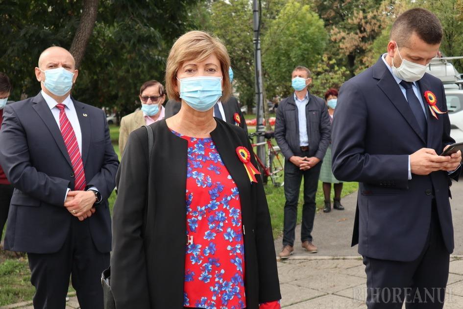 Florica Cherecheş, primul parlamentar din Bihor diagnosticat cu Covid. Mai mulți lideri PNL riscă să fie plasaţi în carantină (FOTO)