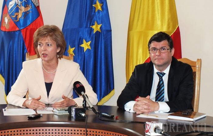 Liberalii Negrean şi Cherecheş îl acuză pe Mang că n-a avut curajul să spună că vrea un şef PSD-ist la Inspectoratul Şcolar