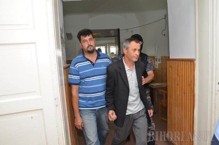 Fostul primar din Sârbi şi patronul unei firme orădene au fost reţinuţi pentru fraudă