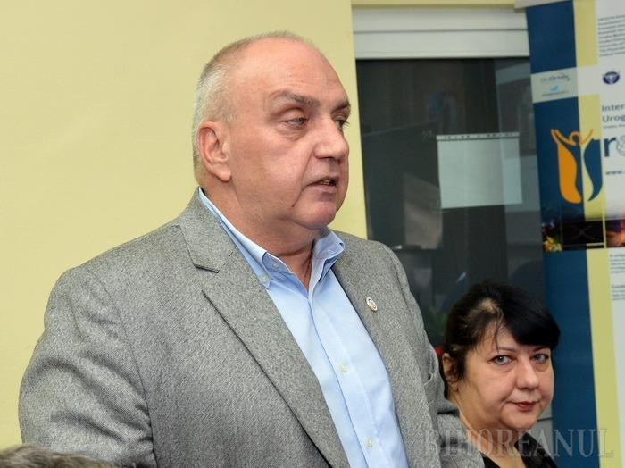 Control pe pâră: În timpul alegerilor la Senatul Universitar, candidatul Gheorghe Carp s-a trezit cu controale la spital