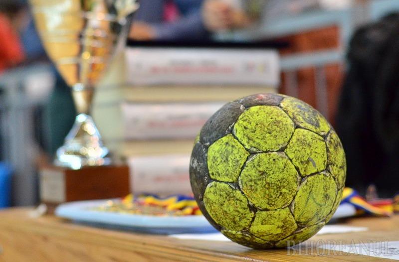 Handbalistele de la CSU Oradea s-au impus la o diferenţă de cinci goluri în disputa cu Universitatea de Vest Timişoara