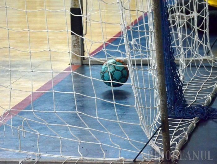 Handbaliştii de la CSM au pierdut primul joc, cu Poli Timişoara